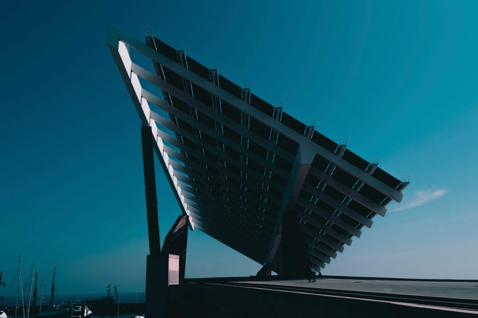 Energia solar é uma alternativa para sua empresa?
