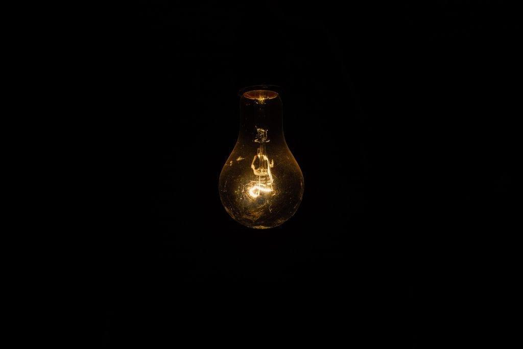 Quais impostos pago na minha conta de luz?